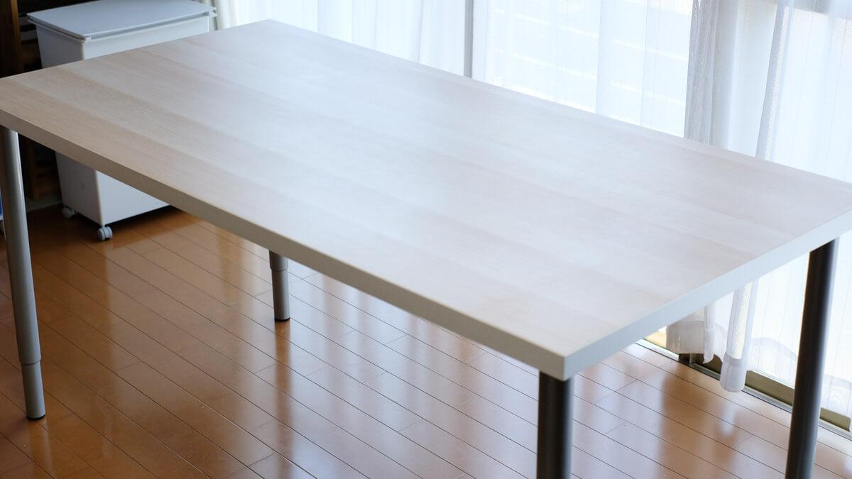 IKEAのワークテーブル