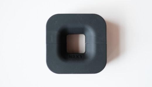 磁石吸着でヘッドフォンハンガー&コード収納になるPUCK