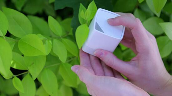 現実世界の色をボタンひとつで取り込めるSwatchMate Cubeが良さげ!!