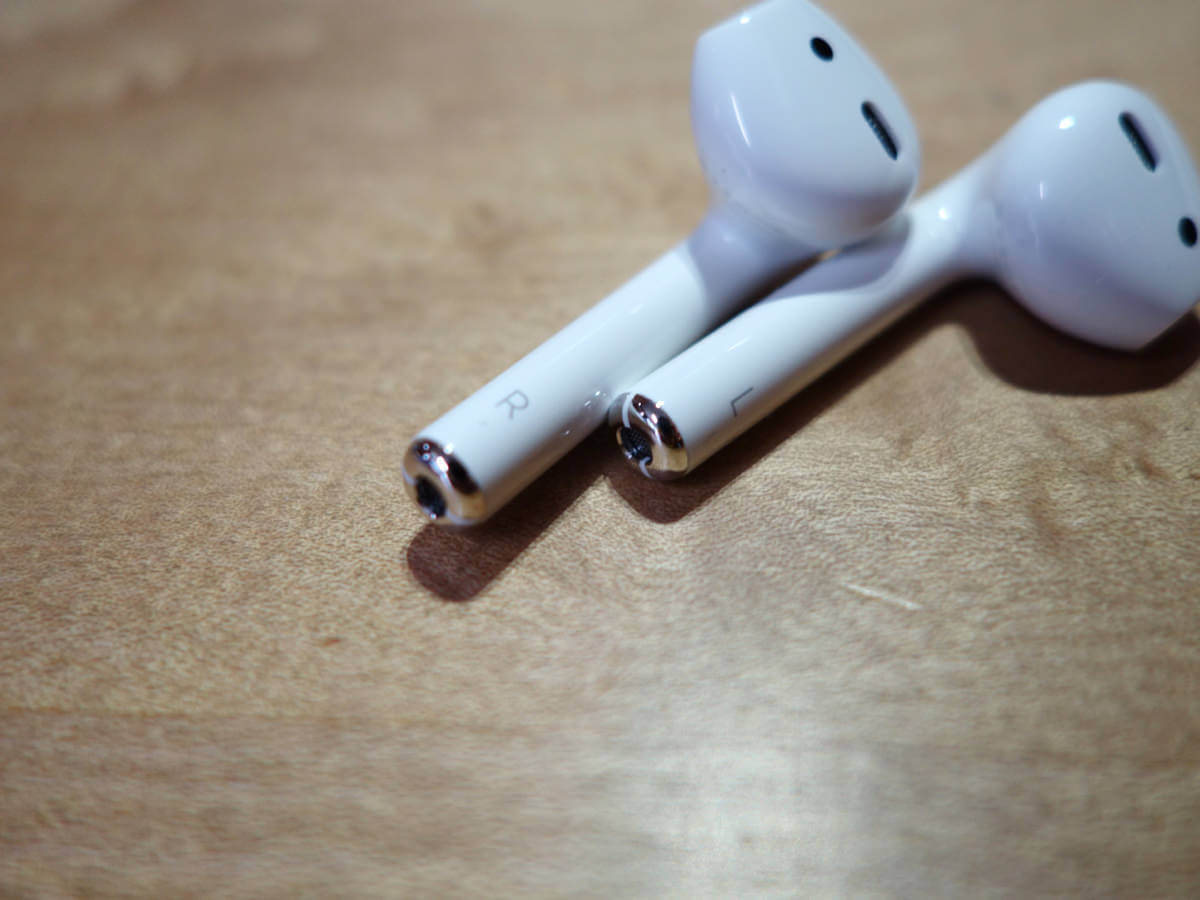 AirPods の L・R マーク