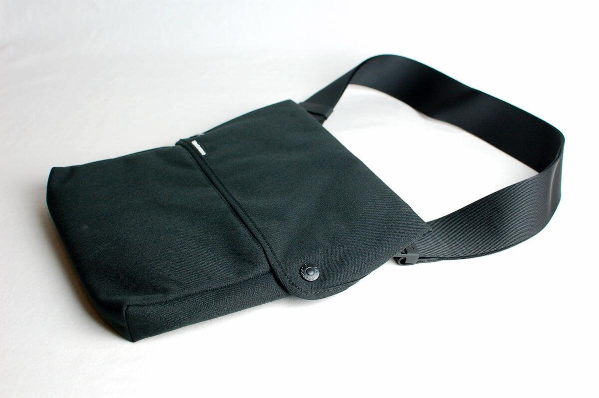 iPadに最適なBlueloungeのショルダーバッグ購入!