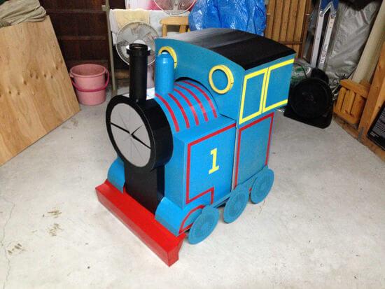 ダンボールで機関車トーマス!!ついにトーマスが完成!!