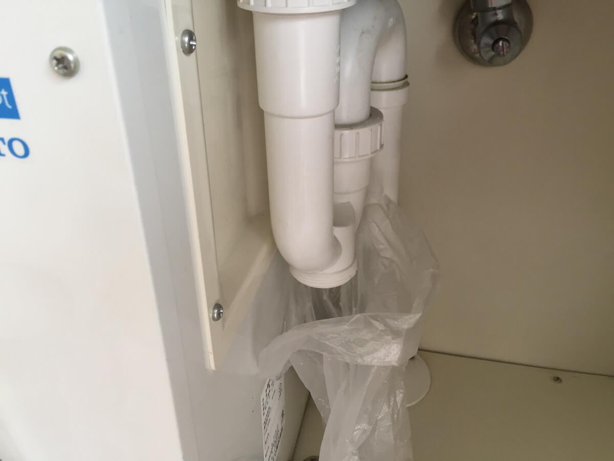 水道管のキャップをオープン
