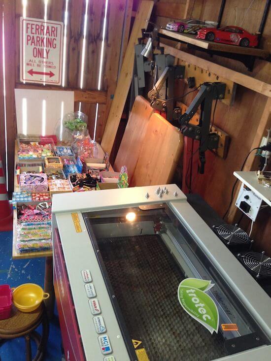 岐阜県で3Dプリンタやレーザーカッターが使える「駄菓子屋」だと!