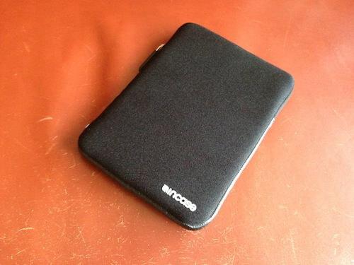 INCASEのiPad mini用スリーブケースは納得のデザインと安心の品質