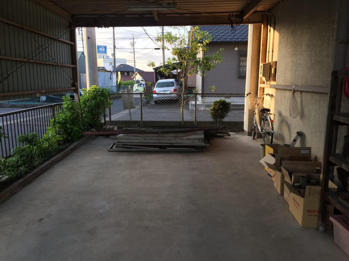 解体が終わった倉庫
