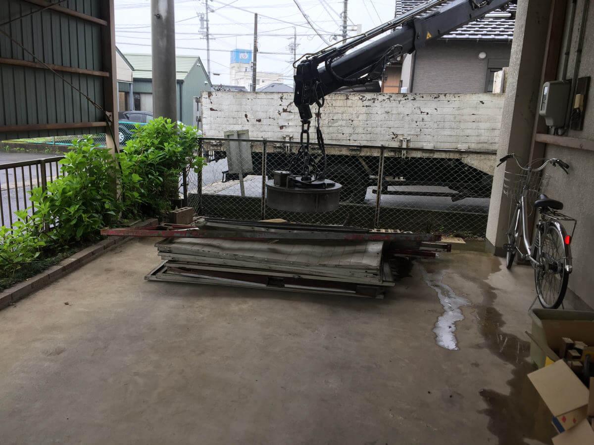 業者による倉庫の撤去