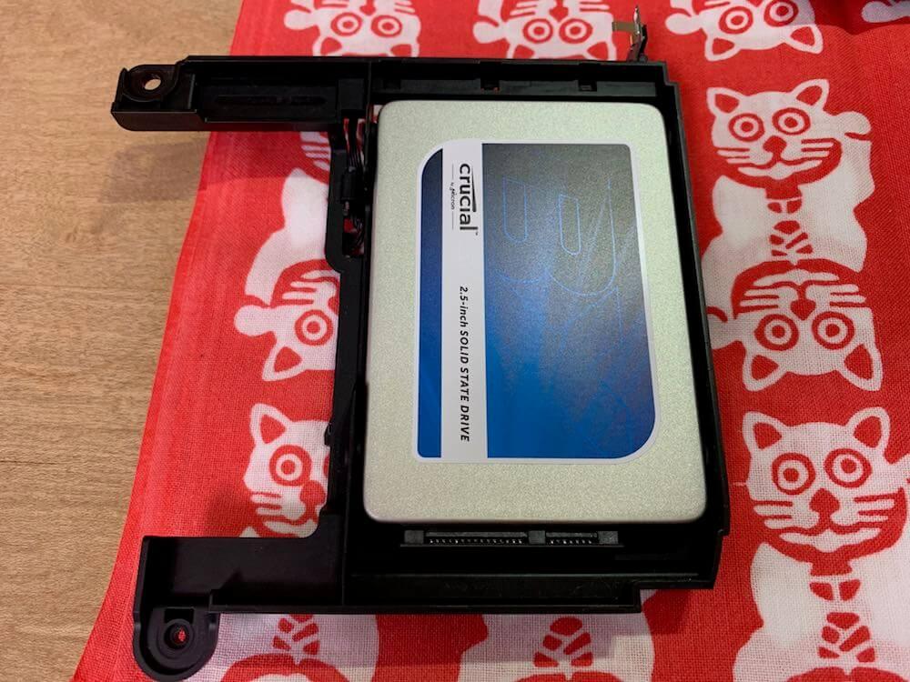 HDDをSSDに交換する
