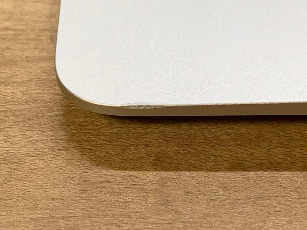 MacBook Airの傷