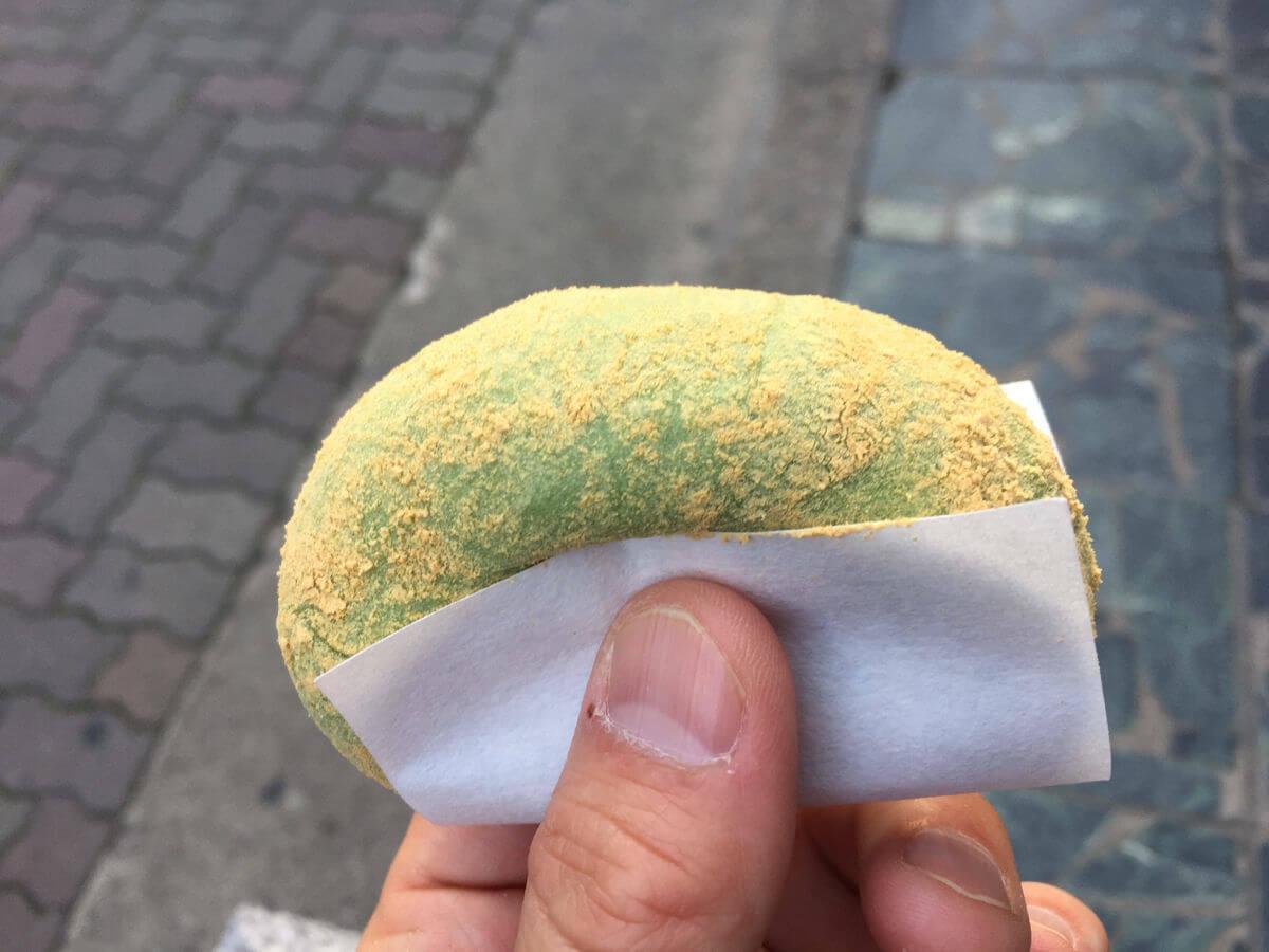 奈良県中谷堂のよもぎ餅