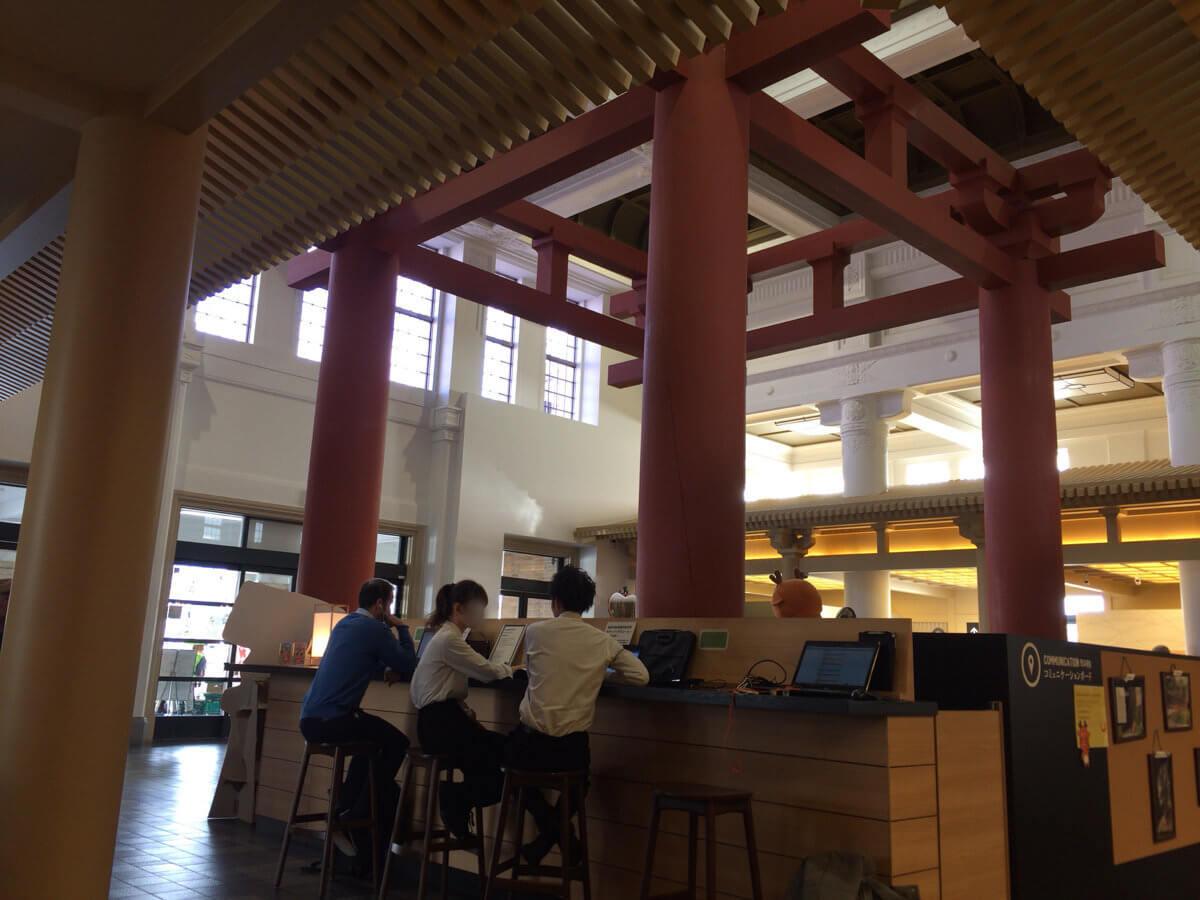 奈良駅近くのスタバ
