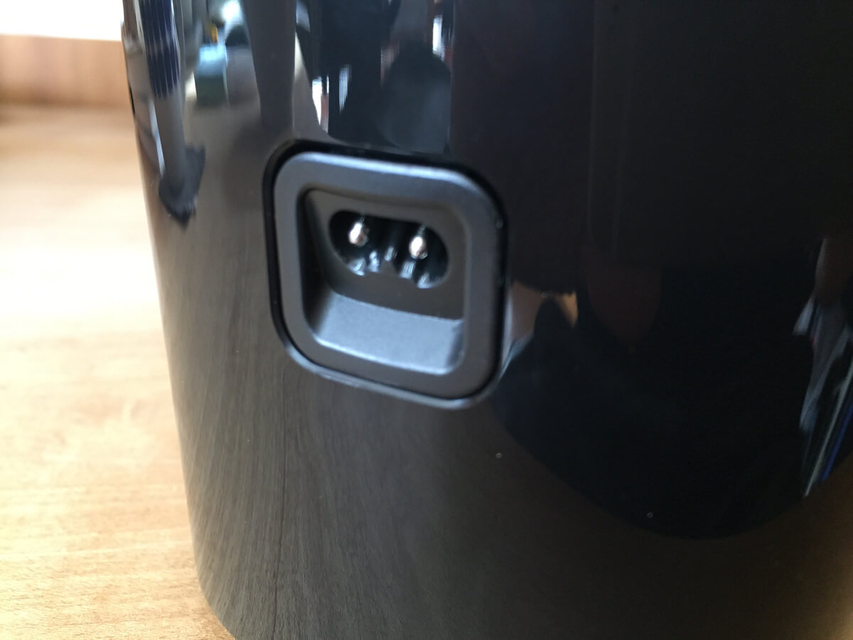 フィリップスシェーバー 9000シリーズ 洗浄充電台