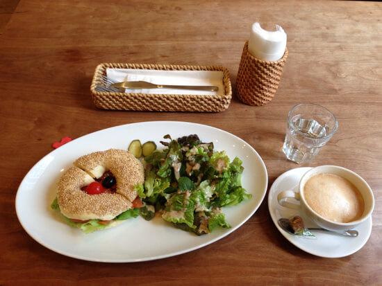 出張のときは必ず行ってる!ベーグルとスコーンがおいしい浜松町のPoco Bagel Cafe