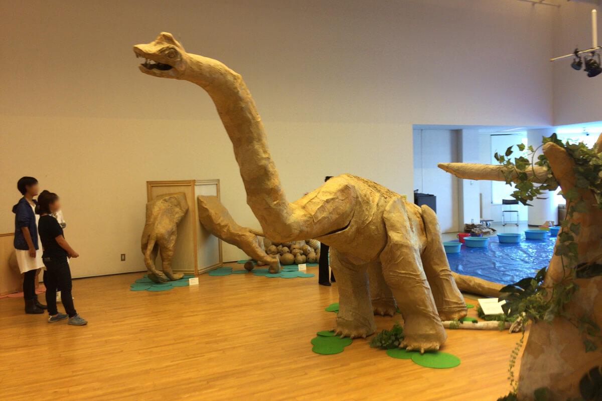 ダンボールブラキオサウルス
